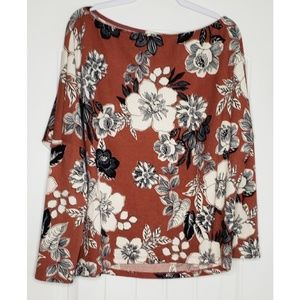 Boat neck floral top